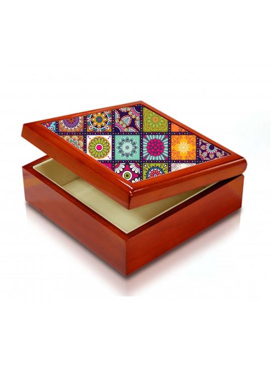 صندوق فاخر بتصميم إسلامي ملون